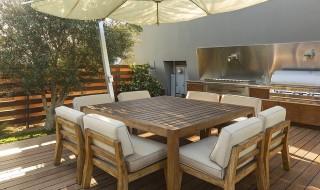 outdoor-grills-patio-set-mean-lots-summertime-parties