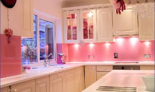 5 Barbie Pink
