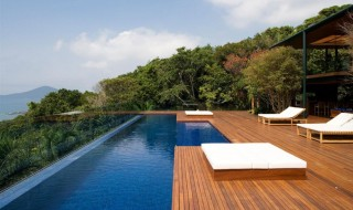 minimalist-urban-backyard-garden-decor-minimalist-swimming-pool-decors-luxury-exterior-decor-for-the-modern-home