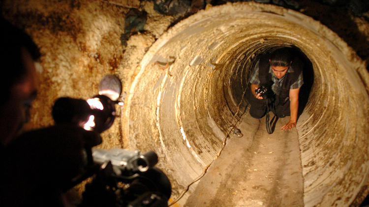 la-fg-mexican-drug-cartel-tunnels-pictures-003