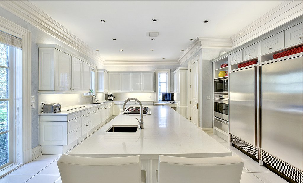 open-concept-kitchen-complete-luxurious-details-like