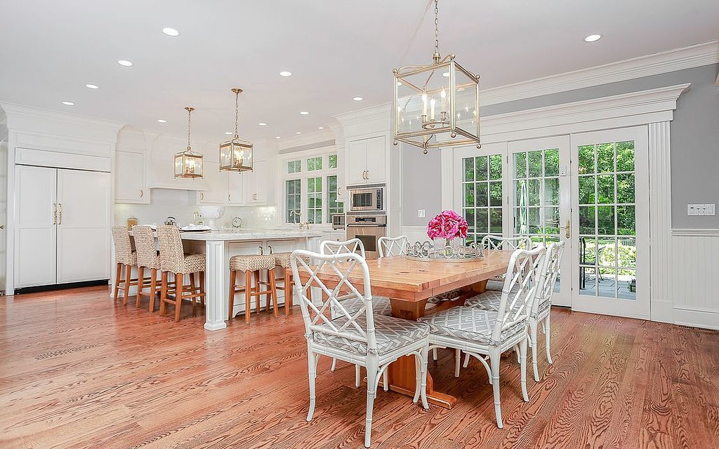 beautiful-chef-kitchen-opens-up-large-dining-area