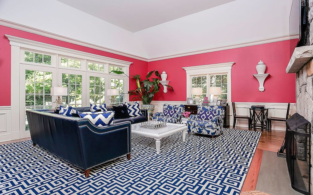 fear-colors-living-room-where-cobalt