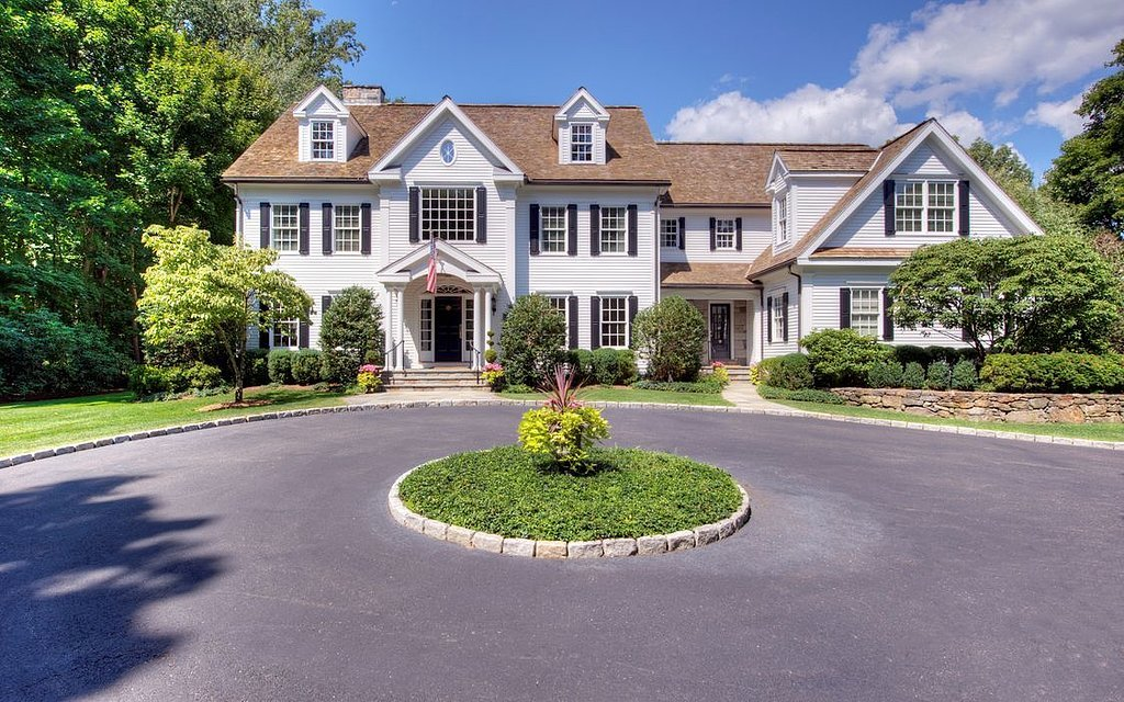 sophisticated-colonial-style-home-built-1999