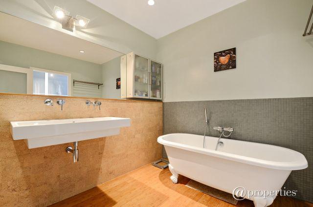 Designer Bathrooms in Chicago's Ukrainian Village 2 of 6