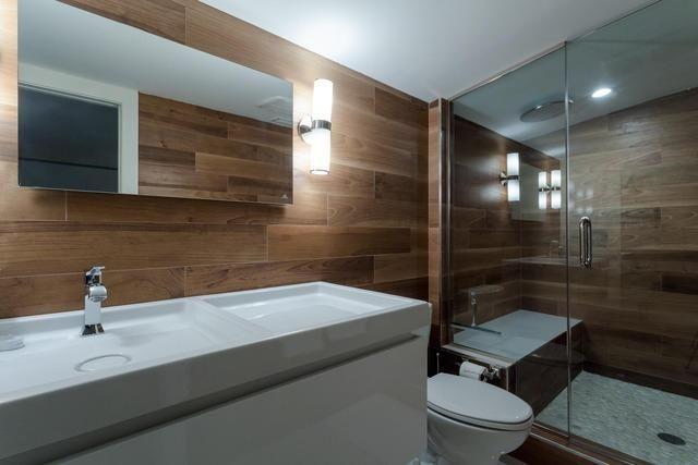 athrooms in Chicago's Ukrainian Village 6 of 6