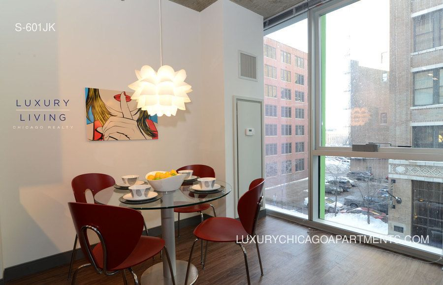 cheap apartments in west loop 10