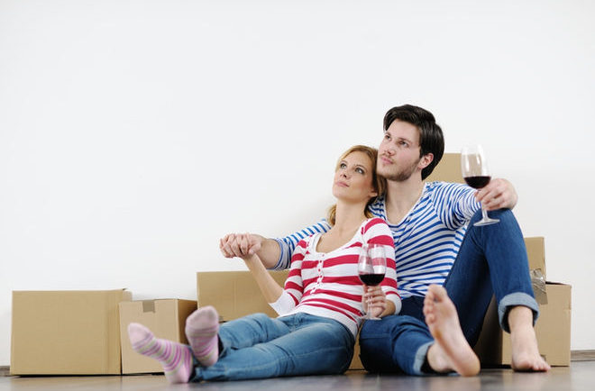 young-couple-moving