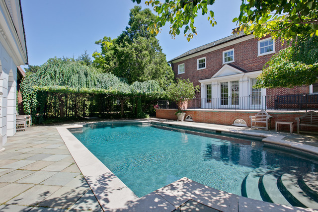 965 E Deerpath pool