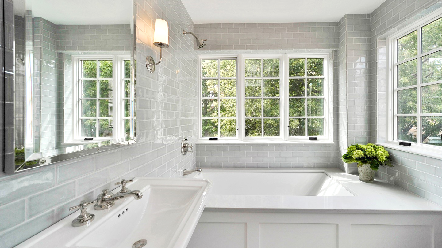 7 Beautiful Bathrooms in Chicago Homes for Sale Now – Preview Chicago